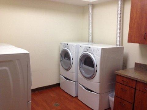 Roosevelt Hotel Williston - Guest Laundry