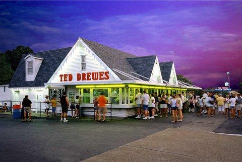 Hampton Inn St Louis-Columbia - Ted Drews