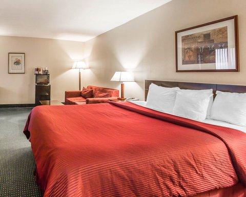Clarion Hotel Bakersfield - CADELUXENK