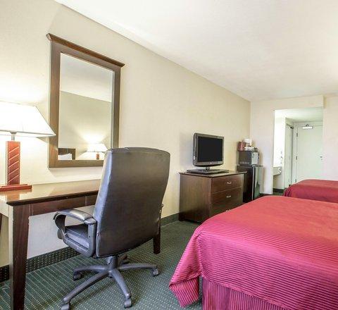 Clarion Hotel Bakersfield - Interior