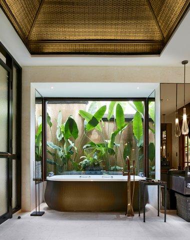 Mandapa, A Ritz-Carlton Reserve - One Bedroom Pool Villa Bathroom