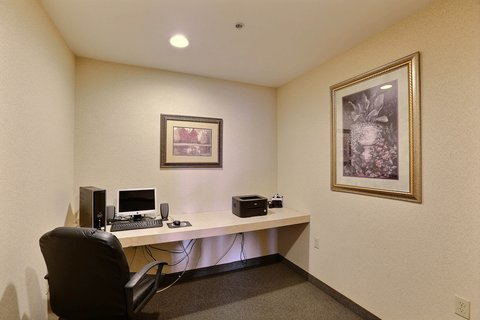 Boarders Inn & Suites - Business Center