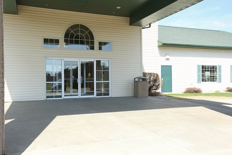 Boarders Inn & Suites - Exterior Front