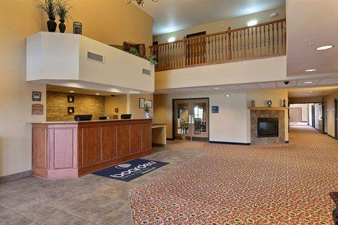 Boarders Inn & Suites - Lobby Front Desk