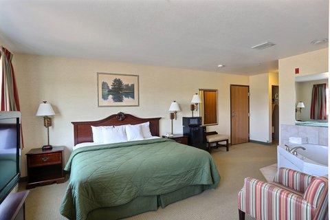 Boarders Inn & Suites - King Whirlpool Suit