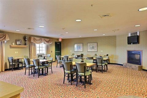 Boarders Inn & Suites - Breakfast Room