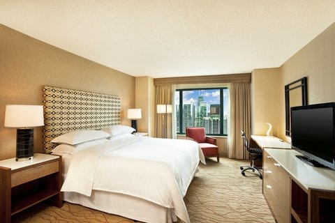 Sheraton Grand Chicago Hotel - Traditional King Guest Room