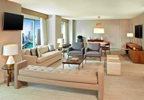 Sheraton Grand Chicago Hotel - Ambassador s Suite