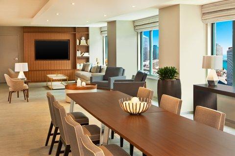 Sheraton Grand Chicago Hotel - Governor s Suite