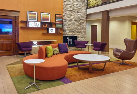 Fairfield Inn & Suites Chicago Lombard - Lobby Seating Area
