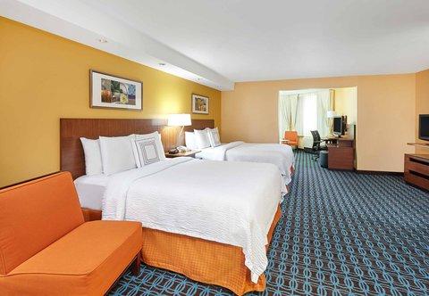 Fairfield Inn & Suites Chicago Lombard - Queen Queen Suite - Sleeping Area