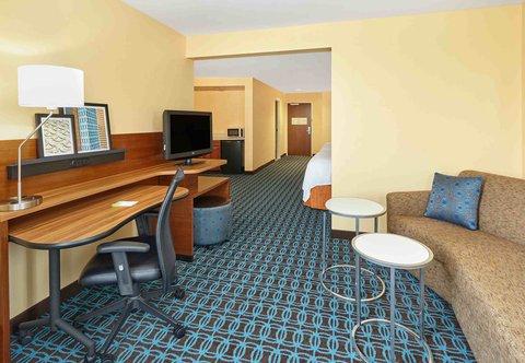 Fairfield Inn & Suites Chicago Lombard - Queen Queen Suite
