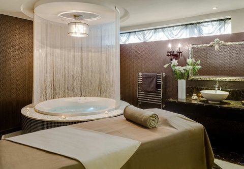 African Pride 15 on Orange Hotel - Suntra Spa - Treatment Room