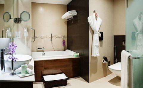 Warwick Hotel Dubai - Penthouse Suite Bathroom