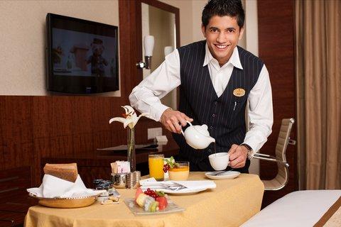 Warwick Hotel Dubai - Room Service