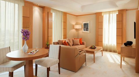 Warwick Hotel Dubai - Deluxe Suite