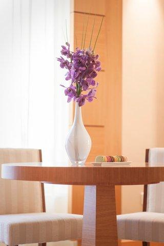 Warwick Hotel Dubai - Deluxe Suite Table