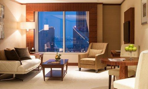 Warwick Hotel Dubai - Club Suite Living Room