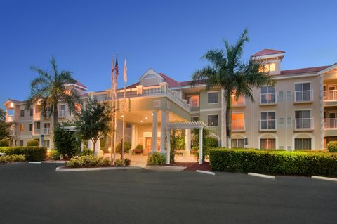 DoubleTree Suites by Hilton Naples - Welcome to the Doubletree Guest Suites Naples