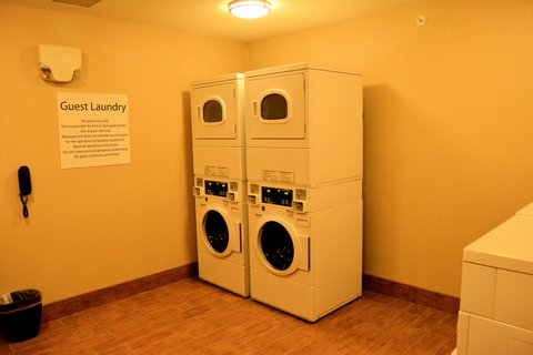 Holiday Inn Express & Suites GLENDIVE - Laundry Facility