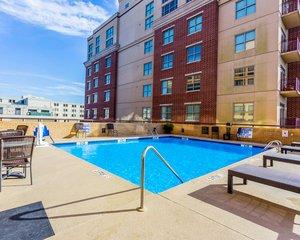 Pool - Comfort Inn Riverview Charleston