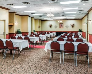 Meeting Facilities - Clarion Inn Fairmont