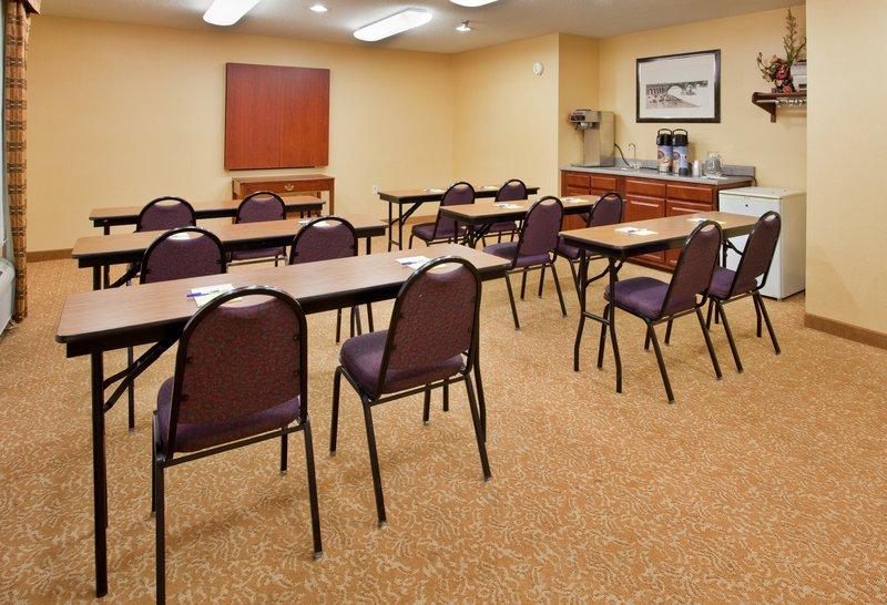 Holiday Inn Express Hotel & Suites Fenton - Fenton, MO