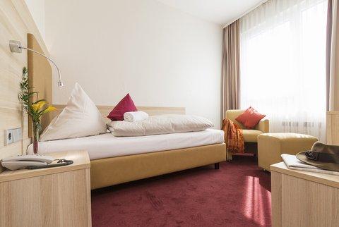 Concorde Hotel Am Leineschloss - Room2