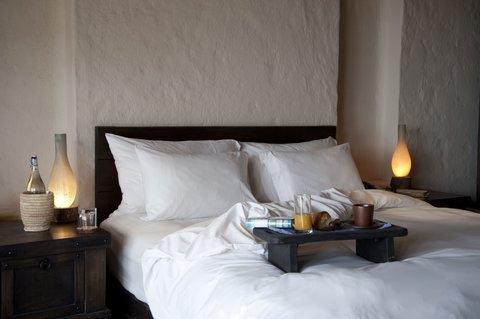 Six Senses Zighy Bay - Bed Detail