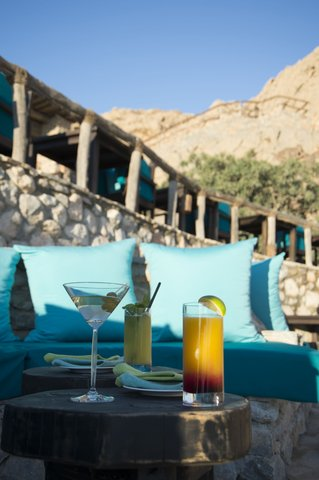 Six Senses Zighy Bay - Drinks on the Edge