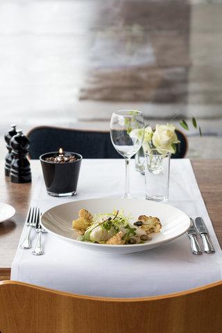 Radisson Blu Royal Hotel Copenhagen - Caf  Royal menu