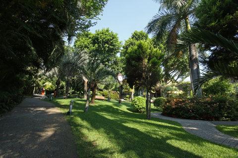 Holiday Inn Cuernavaca Hotel - Courtyard