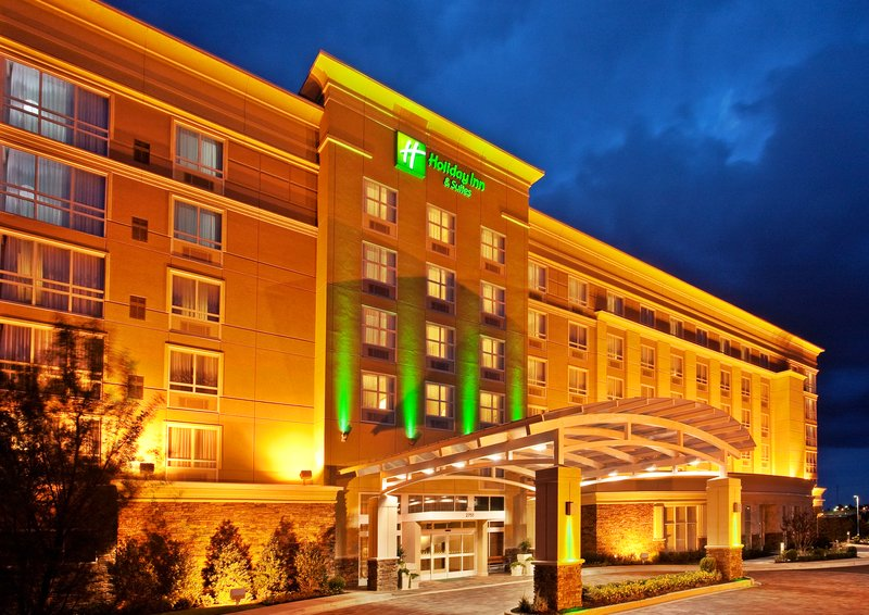 HOLIDAY INN HTL STES WOLFCHASE