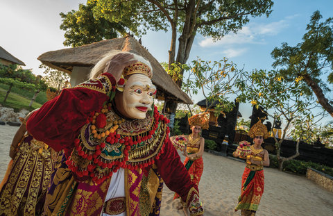 Four Seasons Resort Bali at Jimbaran Bay - Traditional Balinese Temple Dance