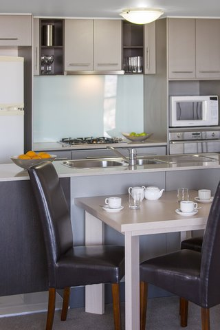 Istay River City - River City Bedroom River View Kitchen