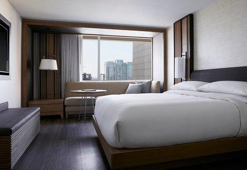 Marriott Charlotte City Center Hotel - King Guest Room