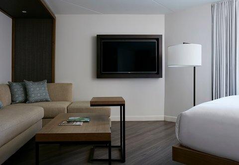 Marriott Charlotte City Center Hotel - Corner King Guest Room