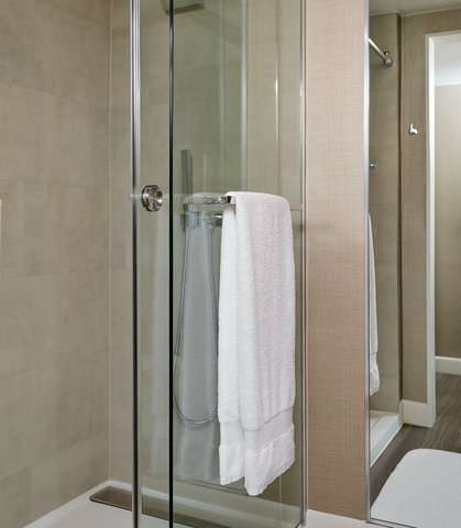 Marriott Charlotte City Center Hotel - Guest Shower