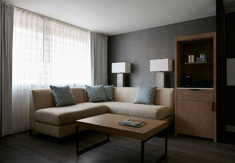 Marriott Charlotte City Center Hotel - City Center Suite Living Area