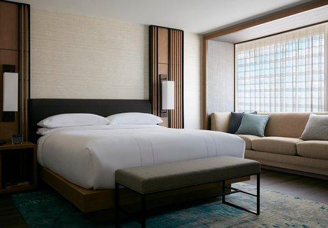 Marriott Charlotte City Center Hotel - Presidential Suite Bedroom