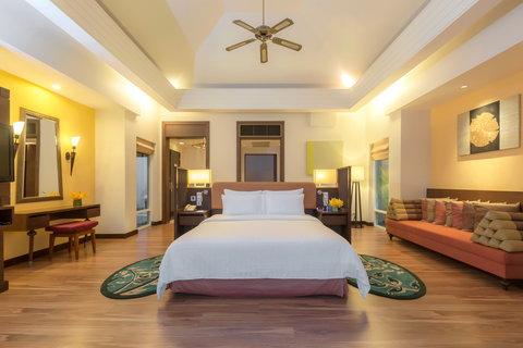 Radisson Blu Plaza Resort Phuket Panwa Beach - Pool Villa Seaview Right