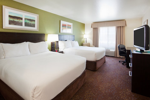 Holiday Inn Express & Suites ABERDEEN - Two Queen Guest Bedroom