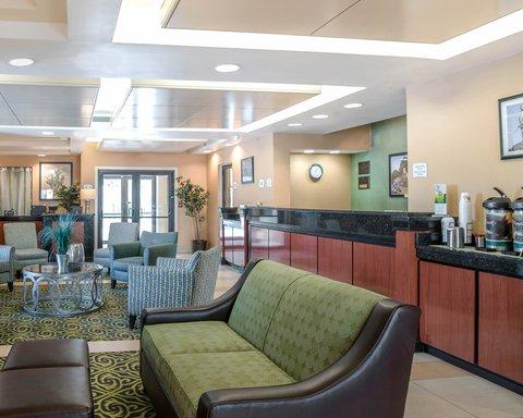 Quality Inn & Suites - Front Desk