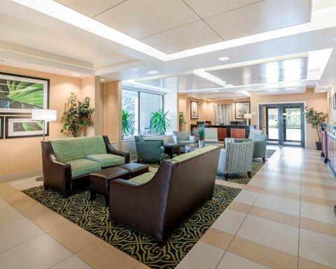 Quality Inn & Suites - Lobby