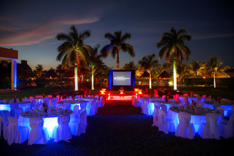 InterContinental PRESIDENTE CANCUN RESORT - Outdoor events with true Caribbean flavor