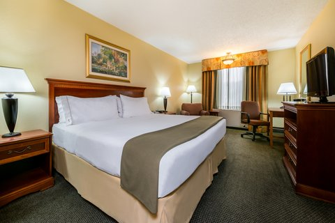 Holiday Inn Express ATLANTA AIRPORT-COLLEGE PARK - King Guest Room
