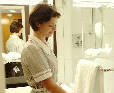 انتركوتيننتال جنيف - Maid with Towels