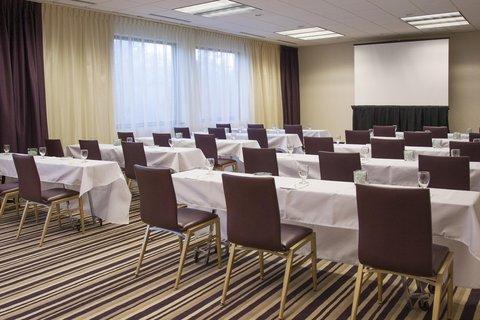 Doubletree By Hilton Hotel Minneapolis North - Classroom Setup