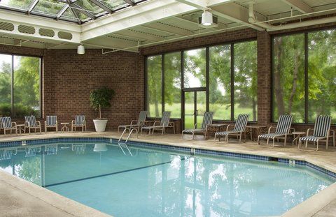 Doubletree By Hilton Hotel Minneapolis North - Pool