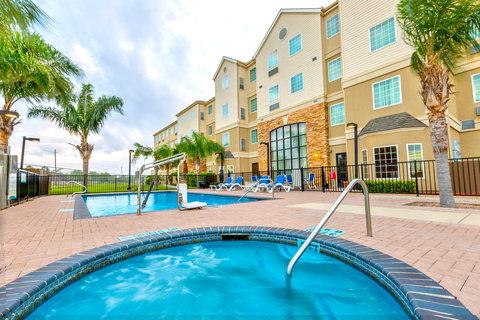 Staybridge Suites BROWNSVILLE - Whirlpool